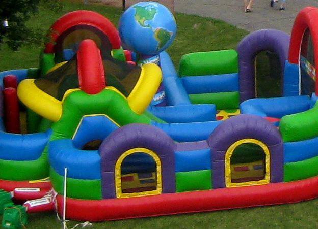 wacky world - bouncy castle rentals - toronto